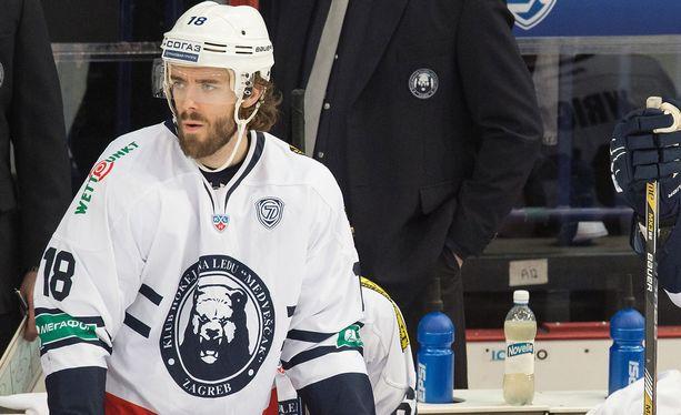 Ville Leino pelasi KHL:ää Medvescak Zagrebissa, josta hän siirtyi Kloteniin.