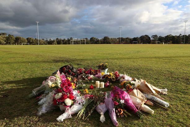 Dixonin ruumis löytyi jalkapallokentältä keskiviikkona. Tekijä on antautunut poliisille.