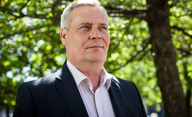 Antti Rinne (sd) aikoo kutsua kaikki halukkaat tahot mukaan rakentamaan yhteiskuntasopimusta.