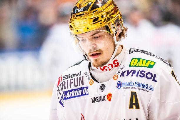 Ville Leskinen oli Kärppien mukana häviämässä SM-liigan finaaleja Kärpille viime keväänä. Tiistaina Leskinen kohtaa HPK:n punaisessa nutussa.