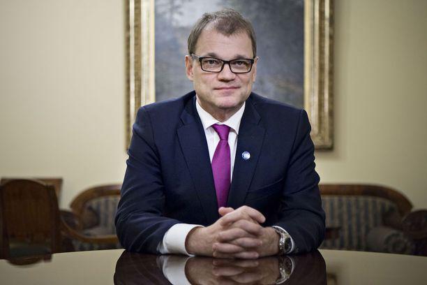 Pääministeri Juha Sipilä (kesk) on päättänyt toimia omilla tavoillaan.
