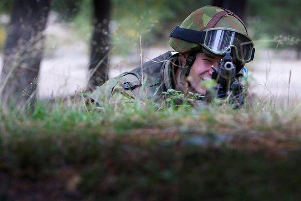 Suomalaisten taistelujoukkojen valmiudessa on puutteita, väittää tutkija.
