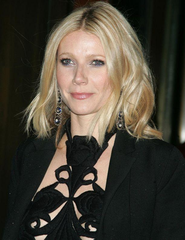 Säästääköhän Gwyneth Paltrow myös tämän designer-mekon tyttärelleen?