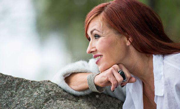 Saija Varjus ei ole jättänyt musiikkia taudin vuoksi.