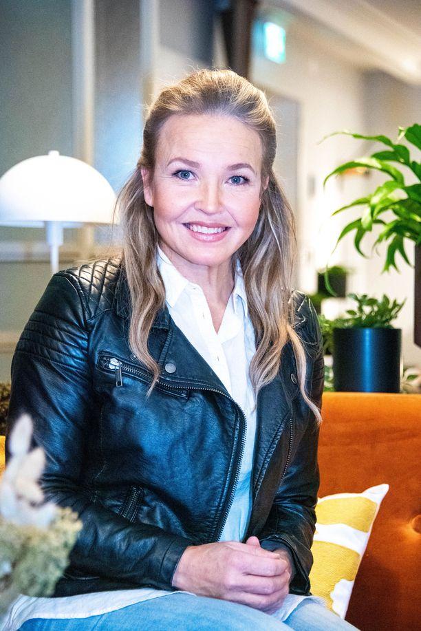 Marita Taavitsainen on tunnettu iskelmälaulaja ja tangokuningatar.
