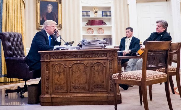Steve Bannonin (oik.) vaikutusvalta Yhdysvaltain asioissa ei ole jäänyt huomaamatta yhdysvaltalaisilta.