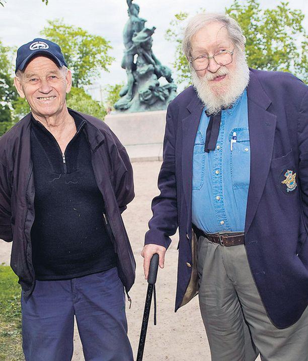 LUOKKAKOKOUKSESSA Atle Vikström jäi koulun jälkeen yrittäjäksi Suomeen, kun Tuomo Pihlava siirtyi ilmailualan palvelukseen Yhdysvaltoihin.