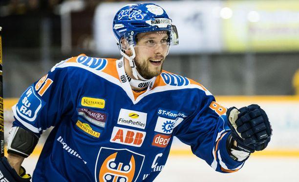Jukka Peltola sai Iltalehden Kultaleijona-palkinnon.