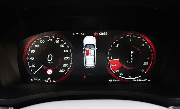 D4-moottorin yhdistetyksi polttoaineenkulutukseksi luvataan 5,5 l/100 km. Totuus on lähellä tätä.