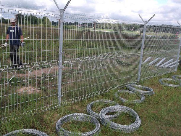 Rakennustyöt saadaan rajavartiolaitoksen mukaan loppuun joulukuun aikana.