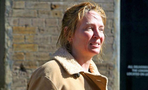 Tuore kuva Uma Thurmanista hätkähdyttää. Filmitähden meikitön olemus muutti hänet lähes tunnistamattomaksi.