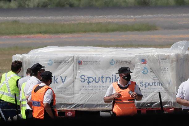 Ensimmäinen erä Sputnik V-rokotetta saapui Buenos Airesiin jouluaattona.