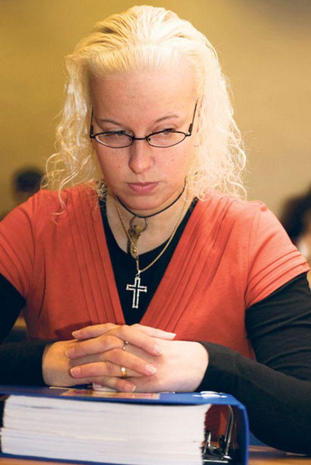 Katariina MeriTuulia Lönnqvist on mennyt Iltalehden tietojen mukaan naimisiin vankilassa.