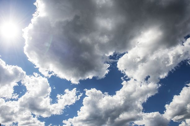 Viikonloppua kohden pilvisyys lisääntyy.
