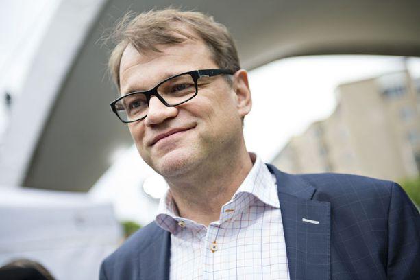 Juha Sipilä kirjoitti jälleen perjantaina keskustelua herättäneistä omistuksistaan blogissaan.
