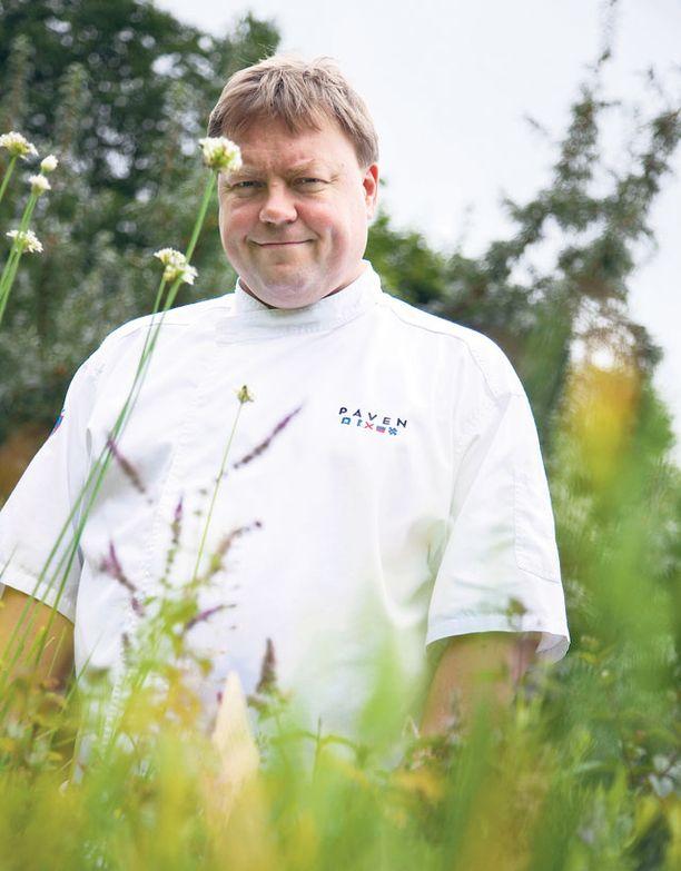 Michelin-kokki Markus Aremo ihastui Westersin yrttitarhaan.