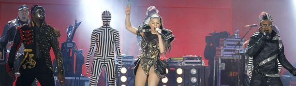 Black Eyed Peas kuului konsertin tähtivieraisiin.