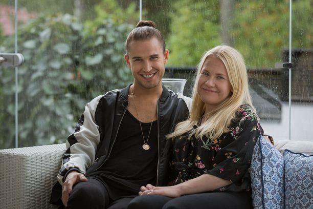 Samuel ja Aune-Elina menivät nuorina naimisiin.