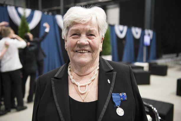 95-vuotias Annikki Mäki oli nuorena kaksi vuotta sodassa.
