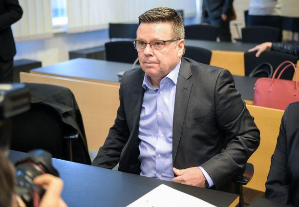 Jari Aarnion Helsingin käräjäoikeudessa maaliskuussa 2016. Arkistokuva.