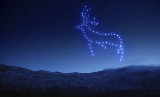 Tältä 150 lennokin esitys näytti Skotlannissa.