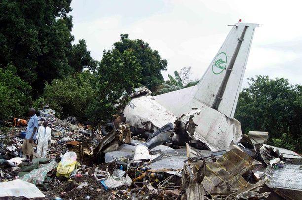 Vuonna 2015 kymmeniä ihmisiä kuoli lento-onnettomuudessa Etelä-Sudanissa.