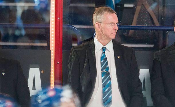 Kari Jalonen on jo varautunut Prahaan siirtymiseen.