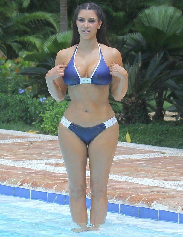 Kim on täydellinen tiimalasi.
