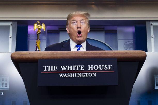 Trump puhui torstaina päivittäisessä koronavirustiedotustilaisuudessaan medialle.