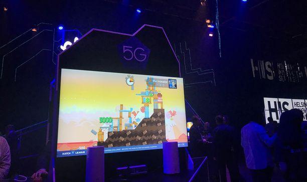 Slushissa voi pelata  Hatchin pelejä Elisan 5G-mobiiliverkossa.