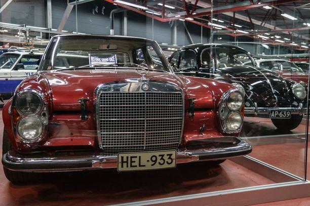 Lahtinen kilpaili Waxenbergerillä Suomessa muutaman vuoden, jonka jälkeen auto rekisteröitiin tieliikennekäyttöön.