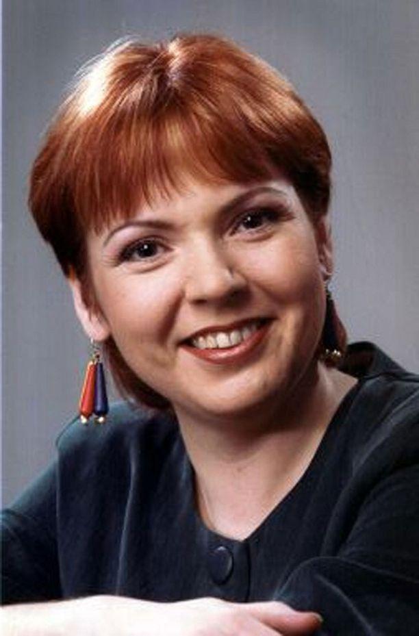 Anne Karppinen juonsi Suomen Tietoviisas-ohjelmaa.