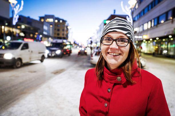 Yrittäjä Heidi Alarieston haave on se, että kaikille suomalaisnuorille löytyisi kesätyöpaikka.