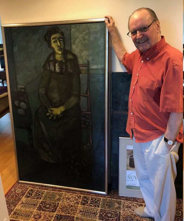 Pentti Nässlingin kotona eteistä koristaa teos Soledad (Yksinäisyys), joka edusti 1960-luvulla Suomea presidentti Urho Kekkosen valtiovierailulla Pariisissa.