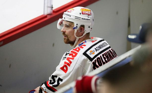 Janne Kolehmainen viihtyi tänään jäähyaitiossa.
