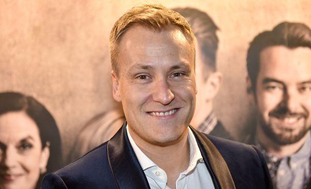 Heikki Paasonen tuli tunnetuksi muun muassa Idols-laulukilpailun juontajana.