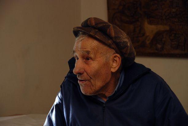 Rauni jäi eläkkeelle valtiolta ennen 60 vuoden ikää. Tekemistä ei eläkkeellä tarvinnut keksiä, koska keskeneräisiä projekteja oli vaikka muille jakaa.