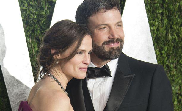 Kesäkuussa eronnut näyttelijäpari tuntuu yhä vain viettävän aikaa yhdessä.