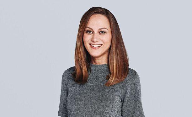 Laulaja Terhi Kokkonen sai potkut Vain elämää -ohjelmasta.