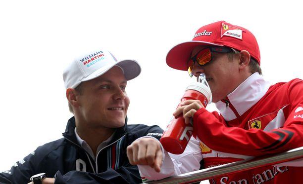 - Molemmat tiedämme, että välillä formuloissa kolisee, sanoo Valtteri Bottas väleistään Kimi Räikköseen.