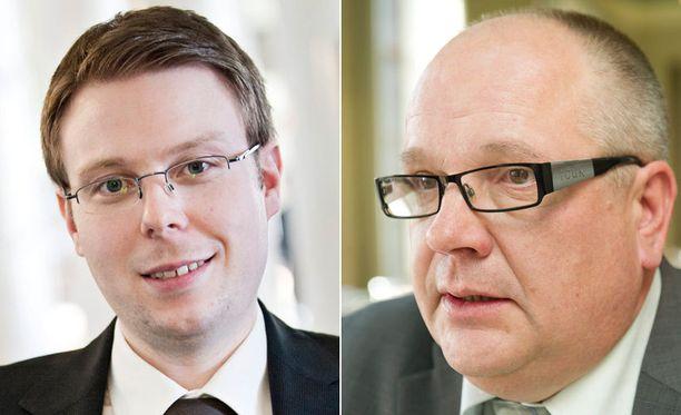 Vesa-Matti Saarakkala ja Kaj Turunen vaativat ennenaikaisia vaaleja.