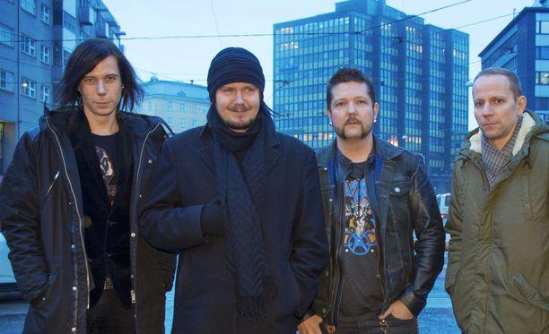 AH Haapasalo, Aki Tykki, Markku DeFrost ja Jatu Motti muodostavat Happoradion. Kuvasta puuttuu Klaus Suominen.