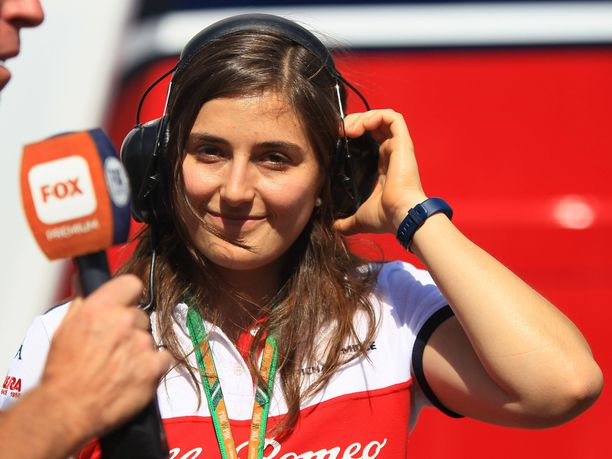 Tatiana Calderón pääsee ensi viikolla toteuttamaan suuren unelmansa, kun hän saa ajaa Sauberin F1-autoa.
