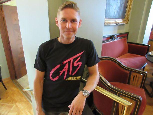 Neljä kertaa TTK: ssa mukana ollut ja vuonna 2007 kisan voittanut kilpatanssija Aleksi Seppänen on kissana syksyn ja tulevan kevään Tampereen Cats-musikaalissa.