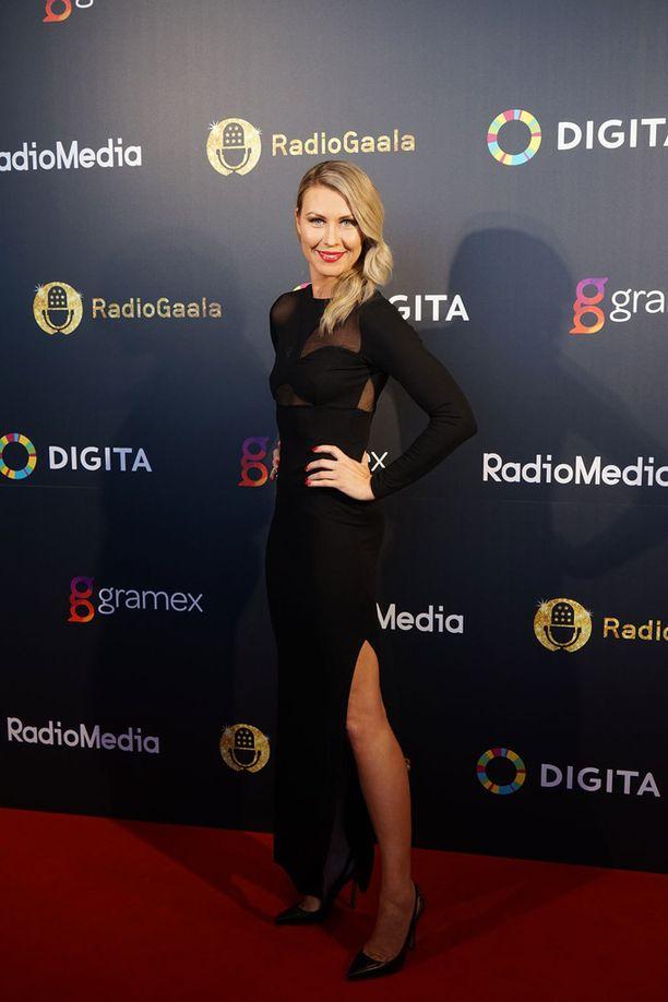 Kuvassa Heidi Suomi Radiogaalassa maaliskuussa.