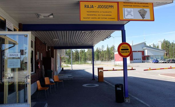 Raja-Joosepin rajanylityspaikalle saapui lauantaina joukko turvapaikanhakijoita.