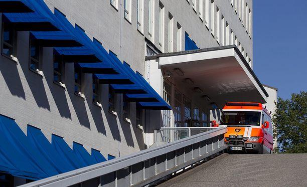 Yliopistollisiin sairaaloihin keskitetään myös esimerkiksi neurokirurgia ja avosydänkirurgia. Kuvassa Turun yliopistollisen keskussairaalan ensiapupoliklinikan sisäänkäynti.
