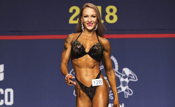 Elina Niemelä voitti alle 163-senttisten sarjan body fitnessissä.