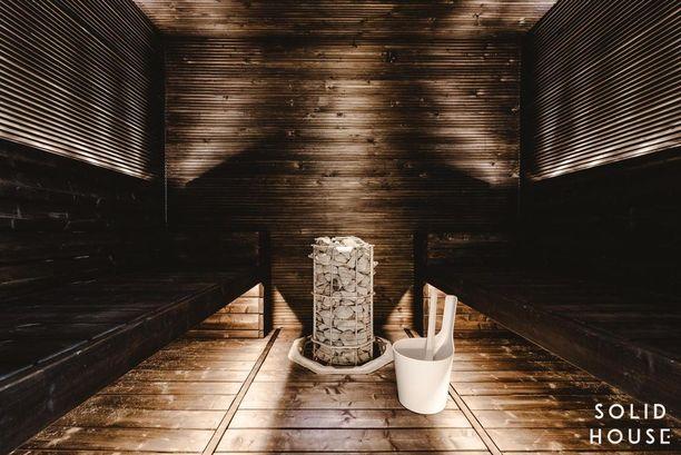 Viime vuosina saunatrendit ovat muuttuneet yksilölliseen suuntaan. Tummat ja peräiti mustat saunat ovat olleet suosittuja.