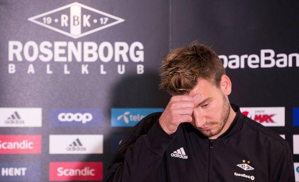 Nicklas Bendtner pahoitteli Kööpenhaminan tapahtumia.